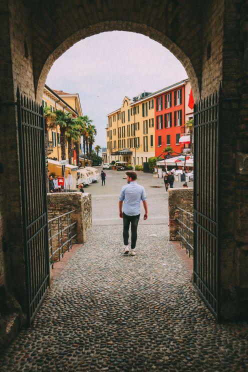 Абсолютно красивый город Сирмионе… На озере Гарда, Италия (28)