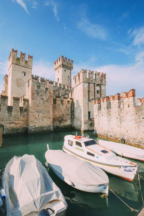 Абсолютно красивый город Сирмионе… На озере Гарда, Италия (10)