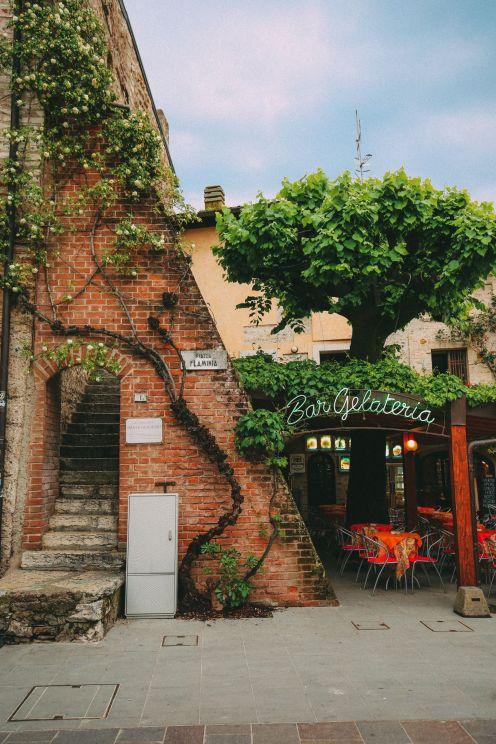 Абсолютно красивый город Сирмионе… На озере Гарда, Италия (37)