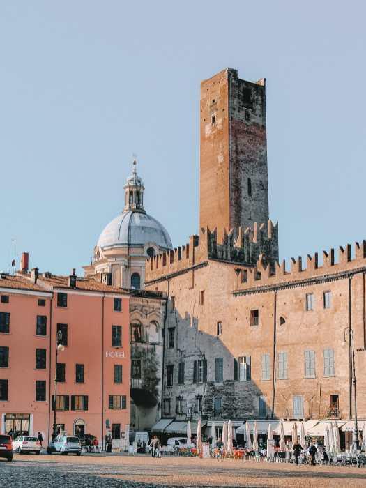 Почему вам нужно посетить древний город Мантуя, Италия (15)