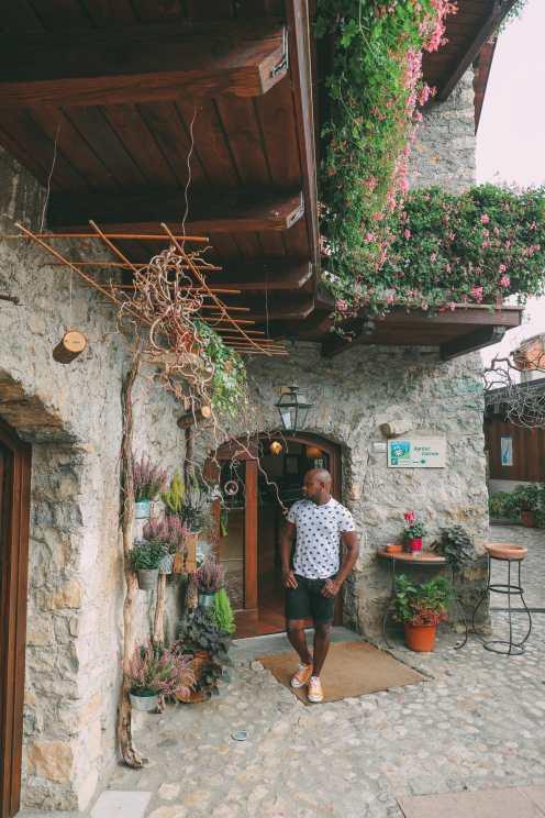 Красивое Лаго Ди Тенно, Каскате дель Вароне и завершение Виа Феррата на озере Гарда, Италия (16 )