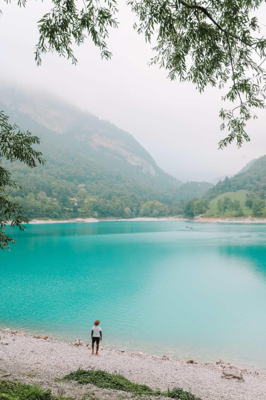 Красивое Лаго Ди Тенно, Каскате дель Вароне и завершение Виа Феррата на озере Гарда, Италия (23 )