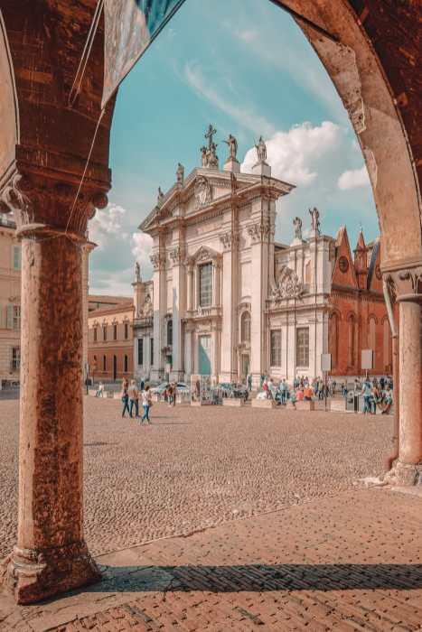 Зачем вам нужно Посещение древнего города Мантуи, Италия (25)