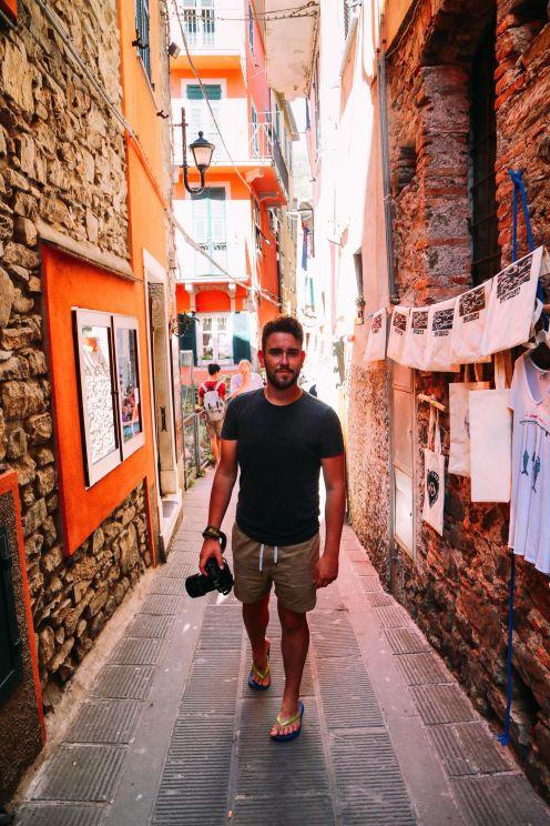 После обеда в Чинкве-Терре, Италия ... (27)