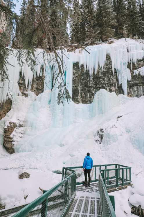 Прогулка по каньону Джонстон и осмотр Северное сияние над Канадой (14)