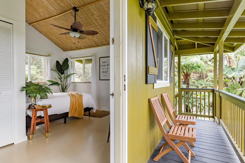 Крошечный домик на тропическом дереве в тропическом лесу вулкана Airbnb Hawaii