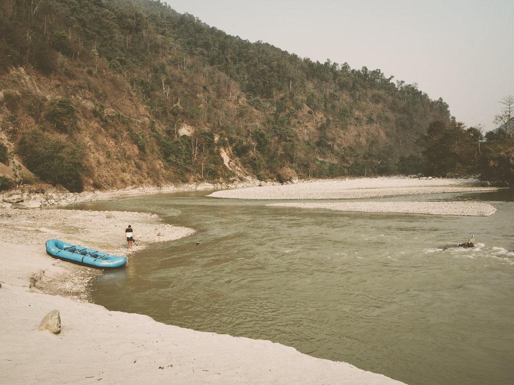 Кемпинг на реке Сети, Непал