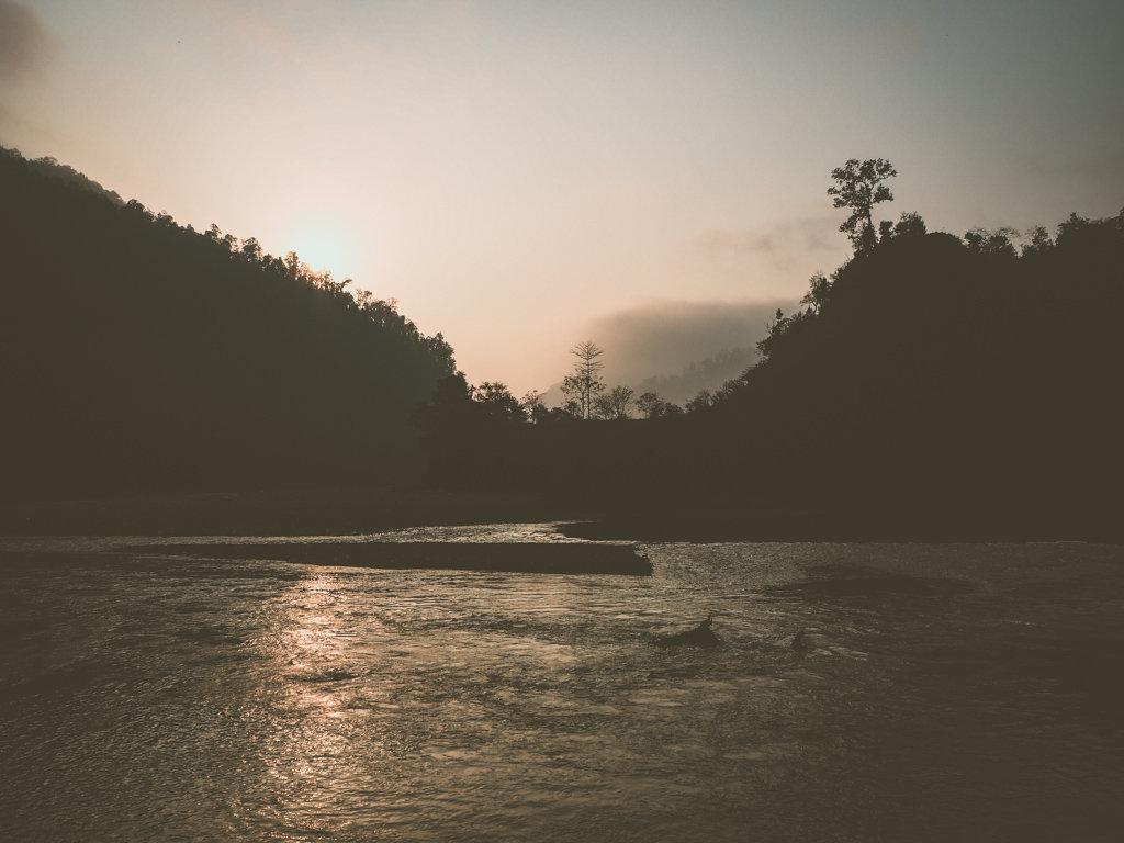 Восход солнца над рекой Сети