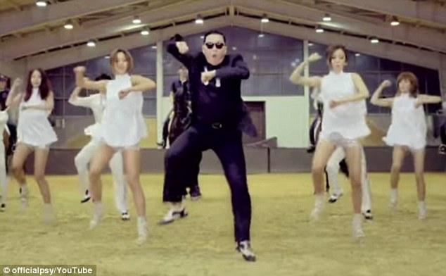"""Корейская поп-звезда Psy исполняет стиль Каннам. """"class ="""" wp-image-17639"""