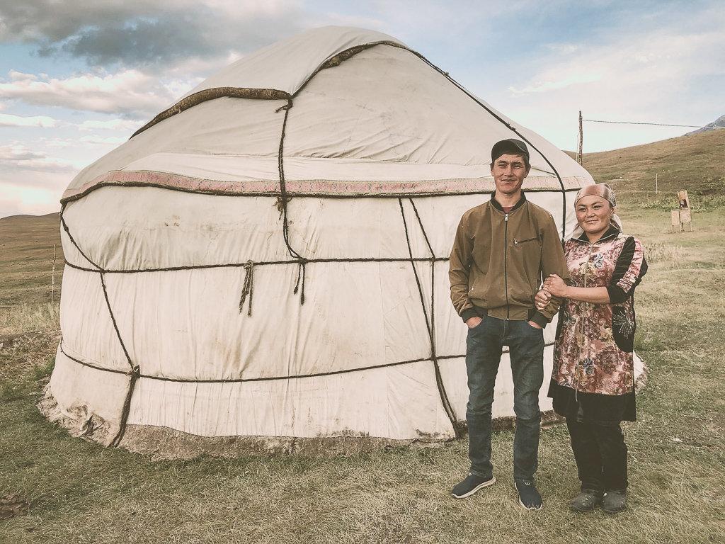 Пребывание в юрточном лагере местных семей в Кыргызстане.