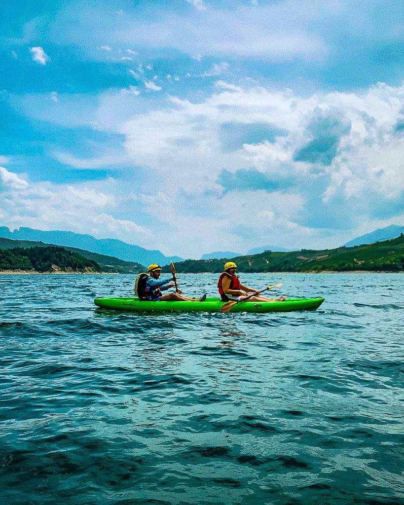 Каякинг по озеру Санта-Джустина