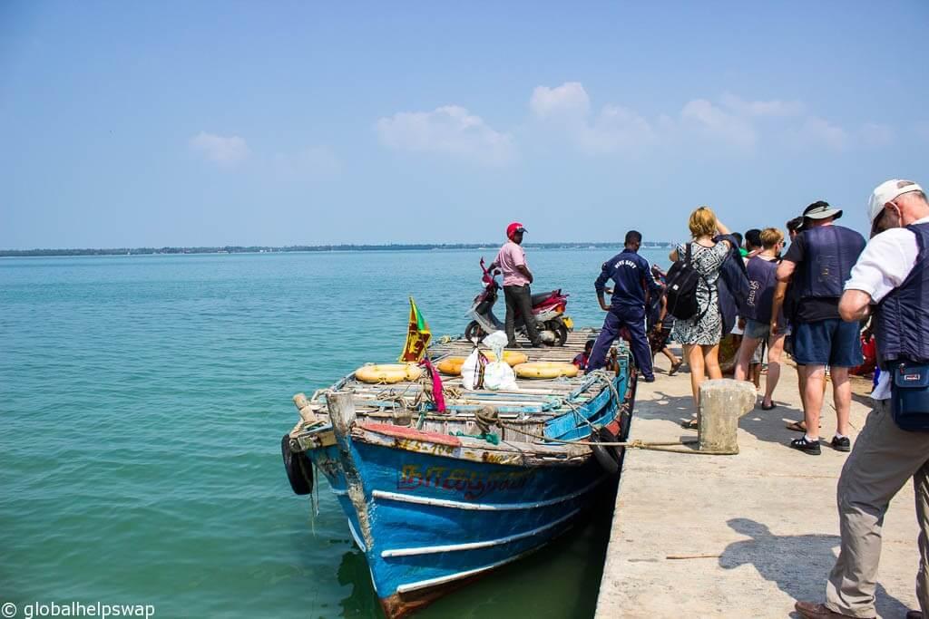 Шри-Ланке нужны туристы