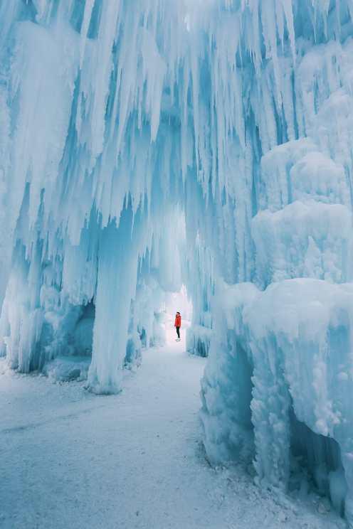 Ледяной замок в Альберте, Канада (10)