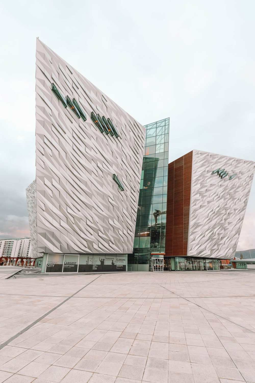 Чем заняться в Белфасте (38) [19659049] Титаник Белфаст - одно из лучших мест в Белфасте, которое на самом деле довольно ново! </span> </p> <p class=