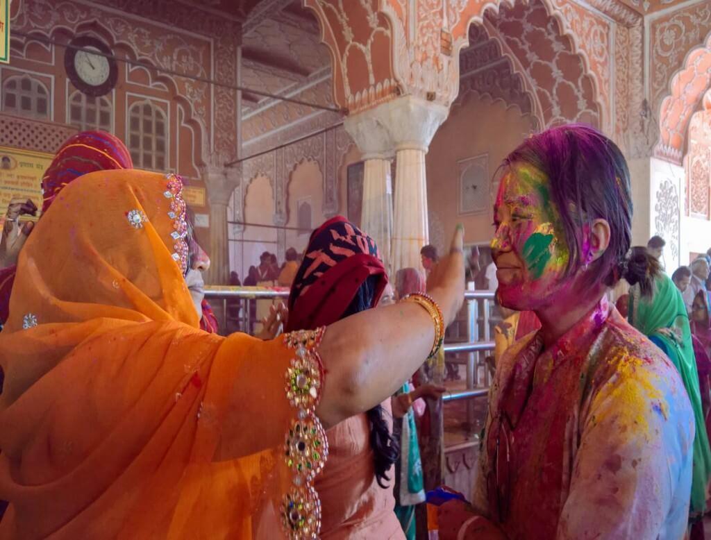 Празднование устойчивого туризма с Intrepid Путешествие