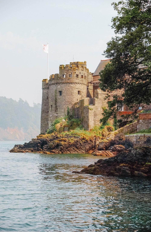 Замок в Девоне, Англия