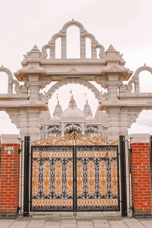 Индуистский храм в северном Лондоне