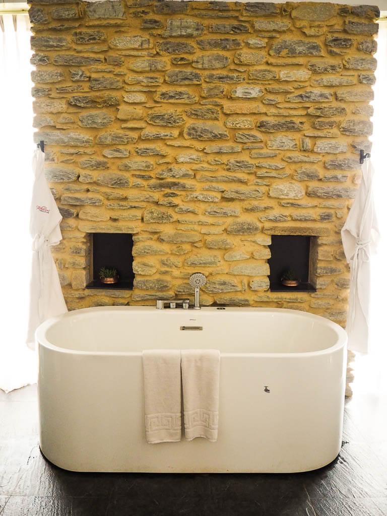 Джакузи в ванной в The Pavilions Himalayas