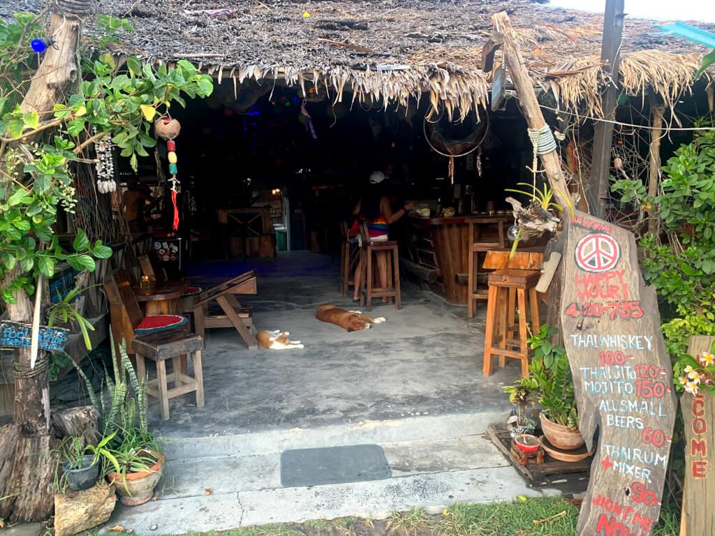 Бары и рестораны на Уокинг-стрит, Ко Липе
