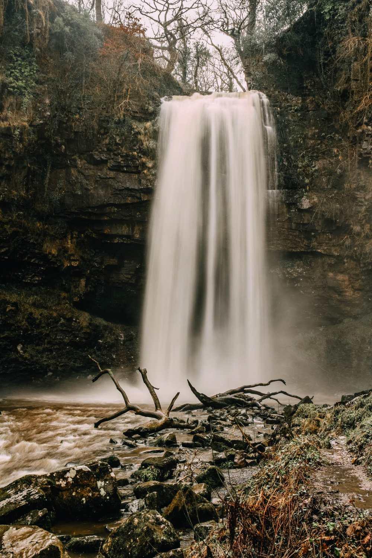 Водопад в Бреконских маяках