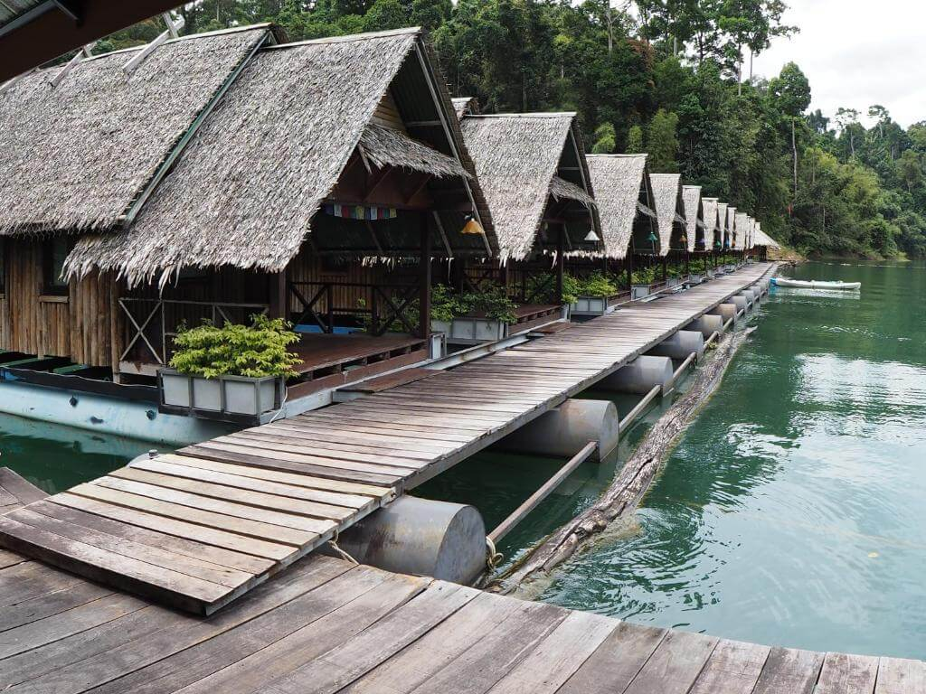 Дом на плоту Прайван, Парк Као Сок, Таиланд