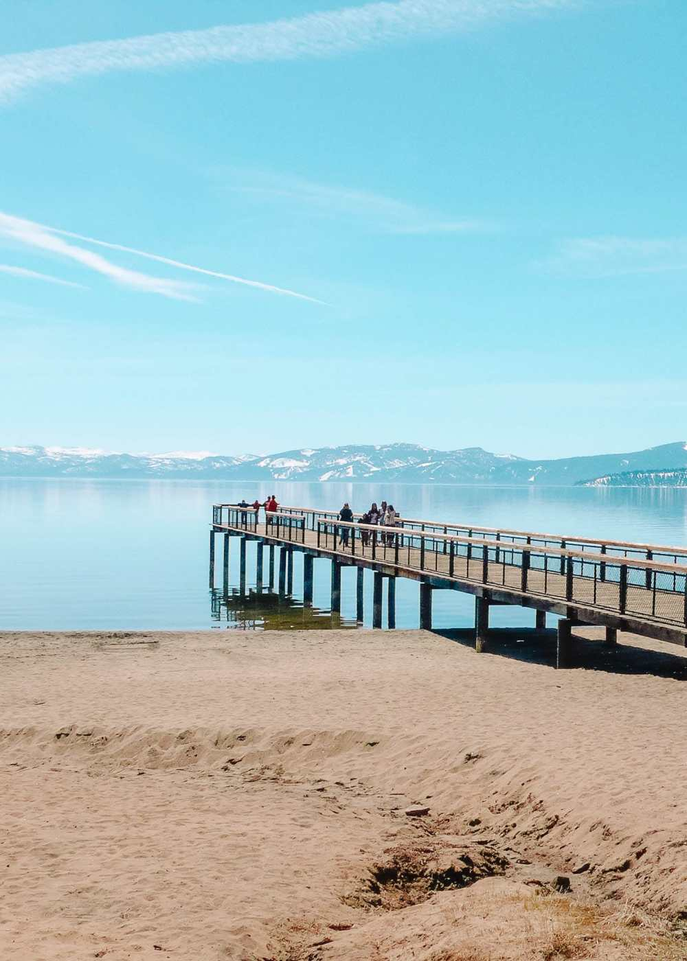 Пляж на озере Тахо