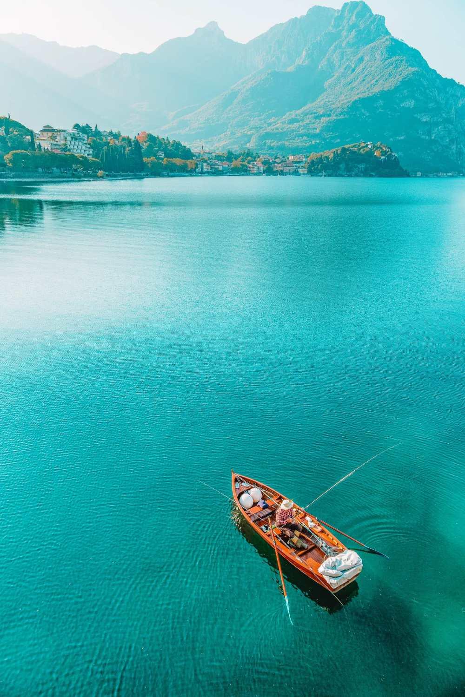 Катание на лодке по озеру Комо