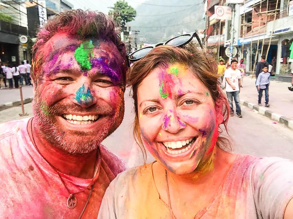 Празднование Холи в Покхаре, Непал