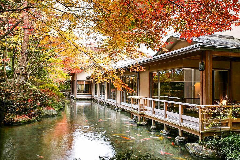 Сады отеля Suimeikan