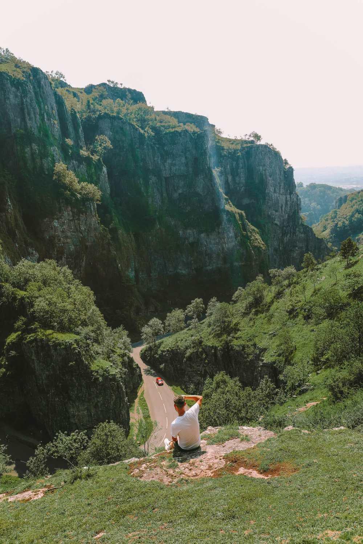 Ущелье Чеддер недалеко от города Уэллс в Сомерсете