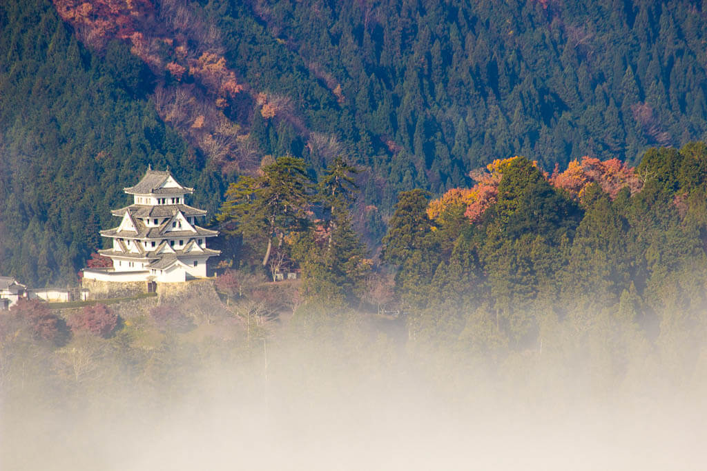 Замок Гудзё Хатиман Япония | Замок в небе