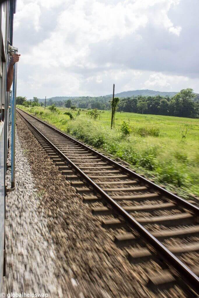 Виды из Канди на поезд Галле [19659018] Виды из Канди на поезд Галле
