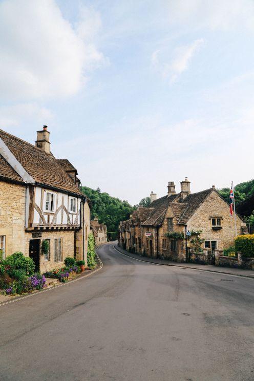 Изучение одной из самых красивых деревень Англии - Касл Комб (2)