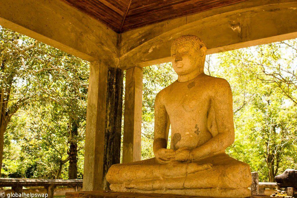 Статуя Будды Самадхи