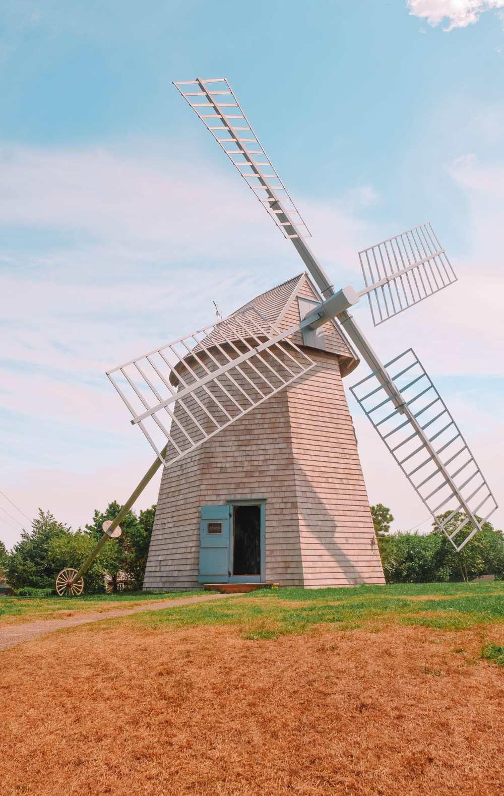 Ветряная мельница на Кейп-Коде в Массачусетсе