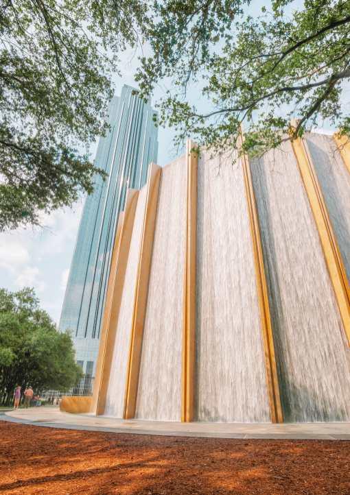Водопад в Хьюстоне, штат Техас