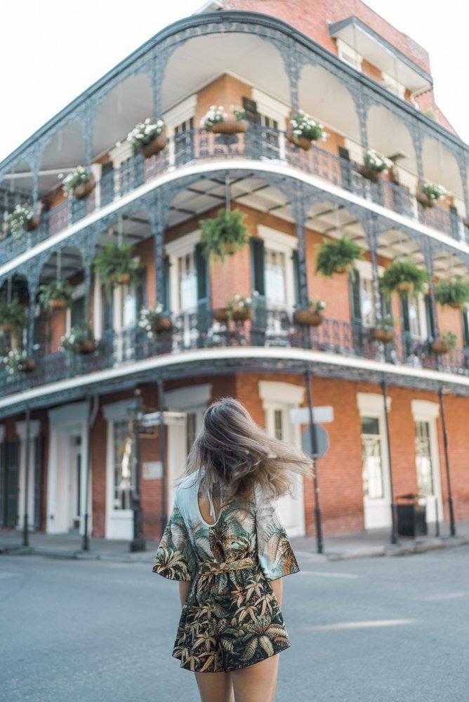 одиночное женское путешествие по Новому Орлеану - Снято на улицах Роял и Дюмен во Французском квартале