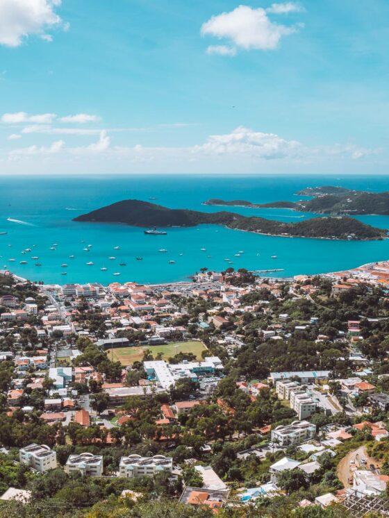 Вид с панорамы Шарлотты Амали на Сент-Томас, Виргинские острова